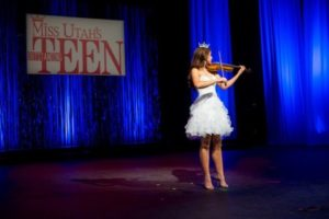 JessiKate Riley performing violin as Miss Utah's Outstanding Teen